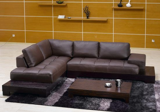 Add a style to your living area with 2017 cool leather sofas