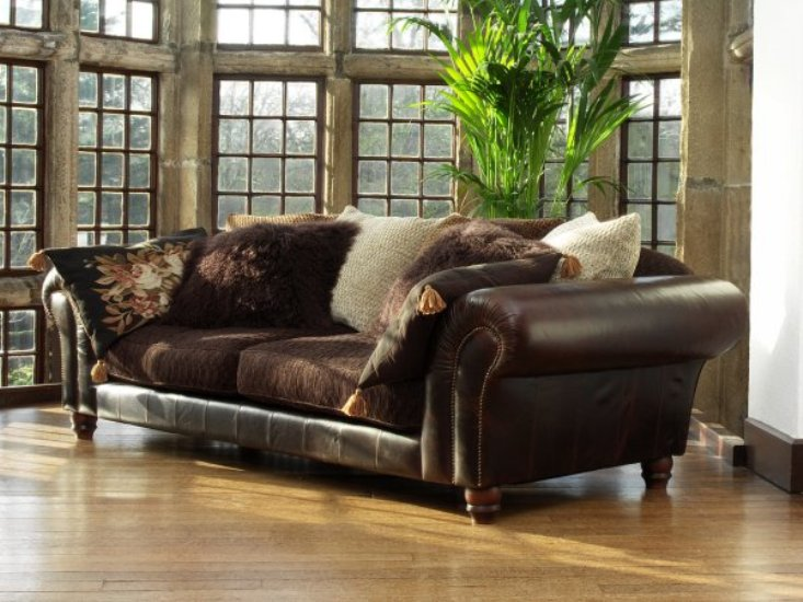 Leather Sofa & Fabric Sofa - Reasons to Fall in Love with Both