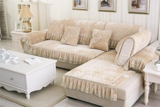 5Ways to Cover Your Living Room Sofa Professionally