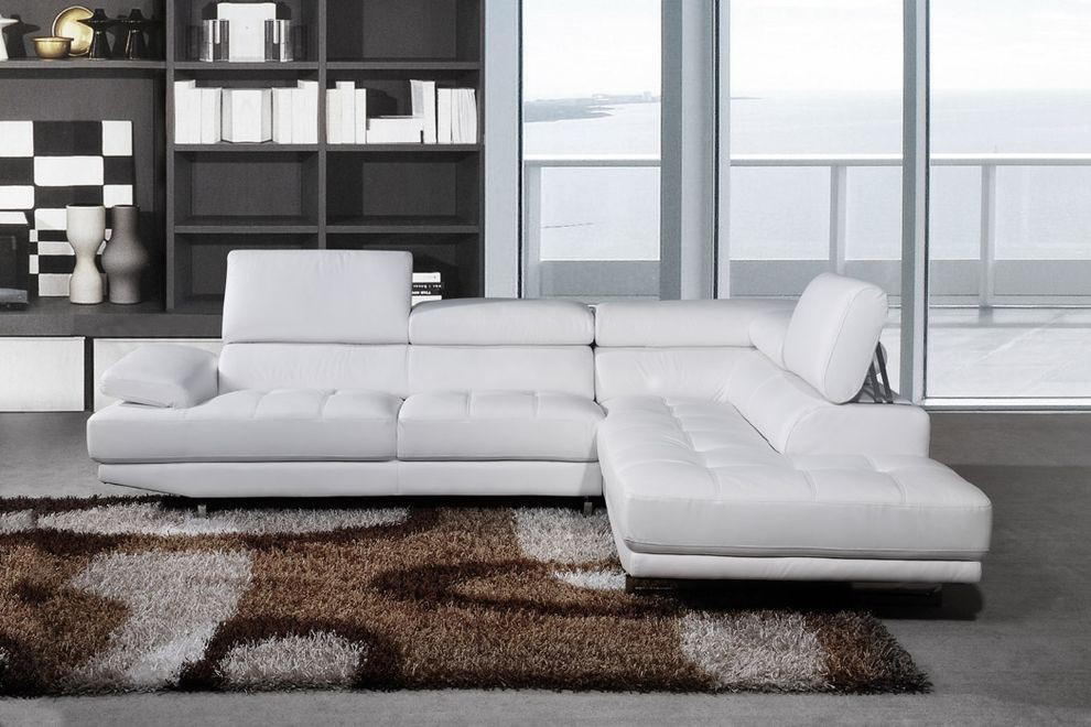 White Corner Sofas U2013 A Sign Of Elegance, Pureness, And Style