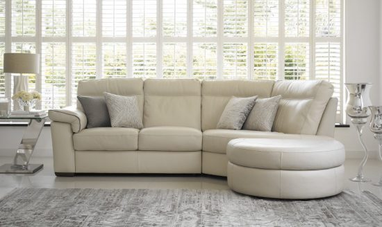 2017 Cream corner sofa all the best features in only one piece